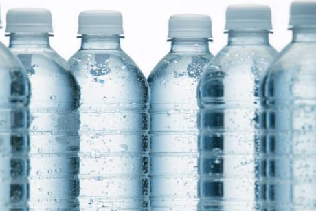 Élimination de la vente de bouteilles d'eau au Collège
